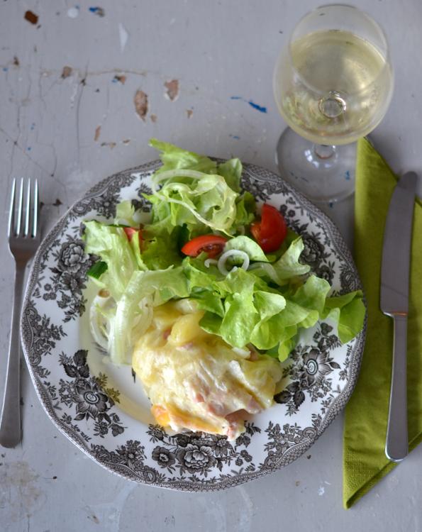 Tartiflette og grøn salat