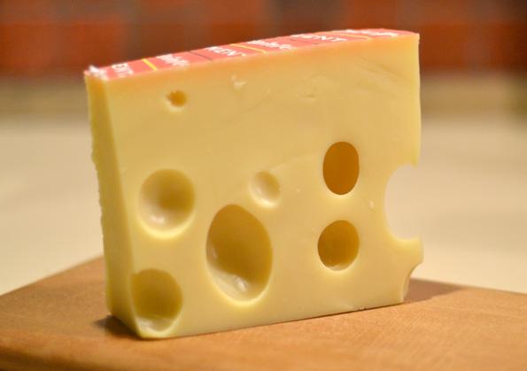 Emmental de Savoie med sine flotte huller