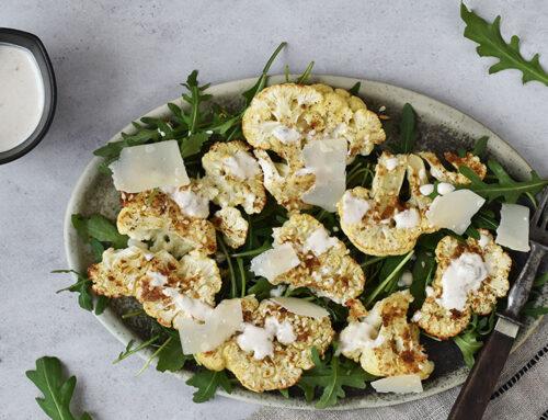 Salat med bagt blomkål og parmesan
